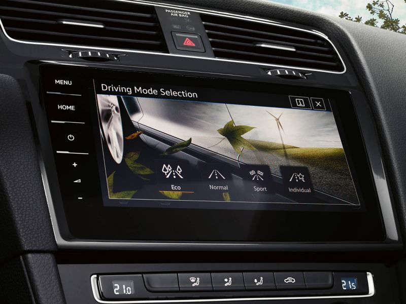 Driving mode selection screen, inside the Volkswagen Golf Estate.