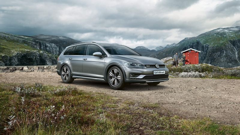 Side view of Golf Estate Alltrack on a mountain