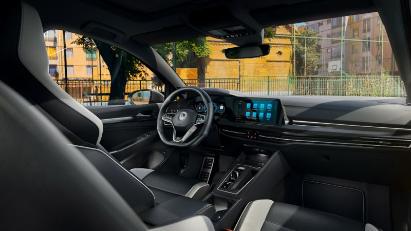 Interior of the Golf GTD, view of the cockpit