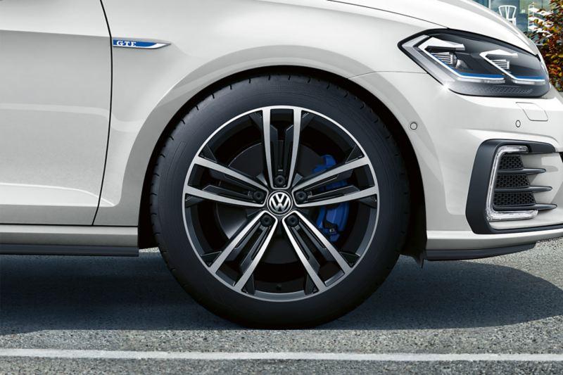 A white Golf GTE wheels