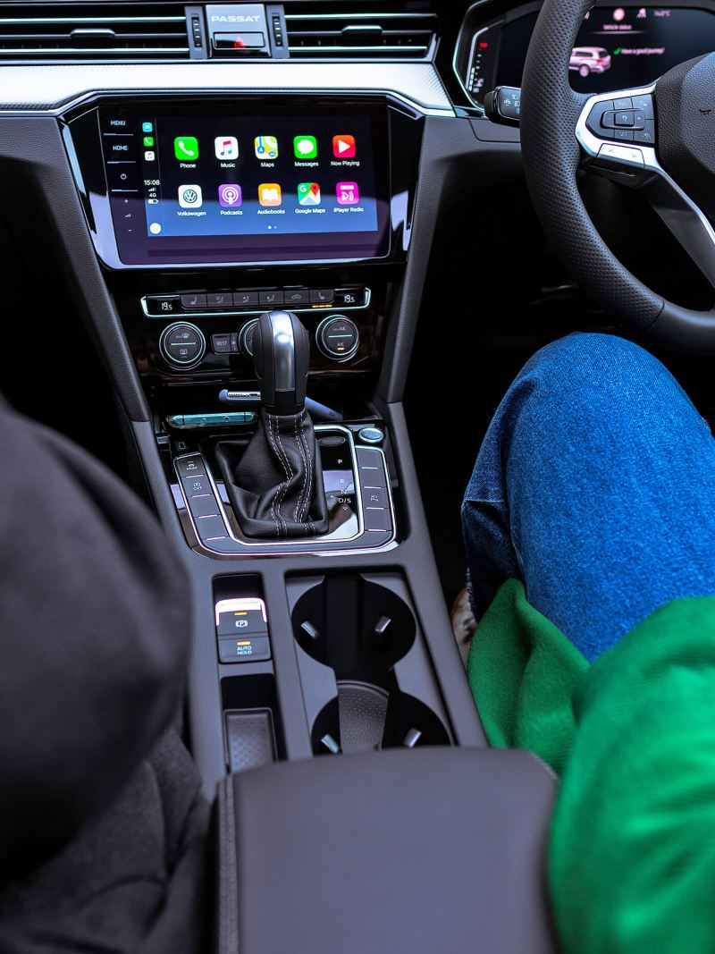 Interior view of the Volkswagen Passat Estate showing the gear stick.