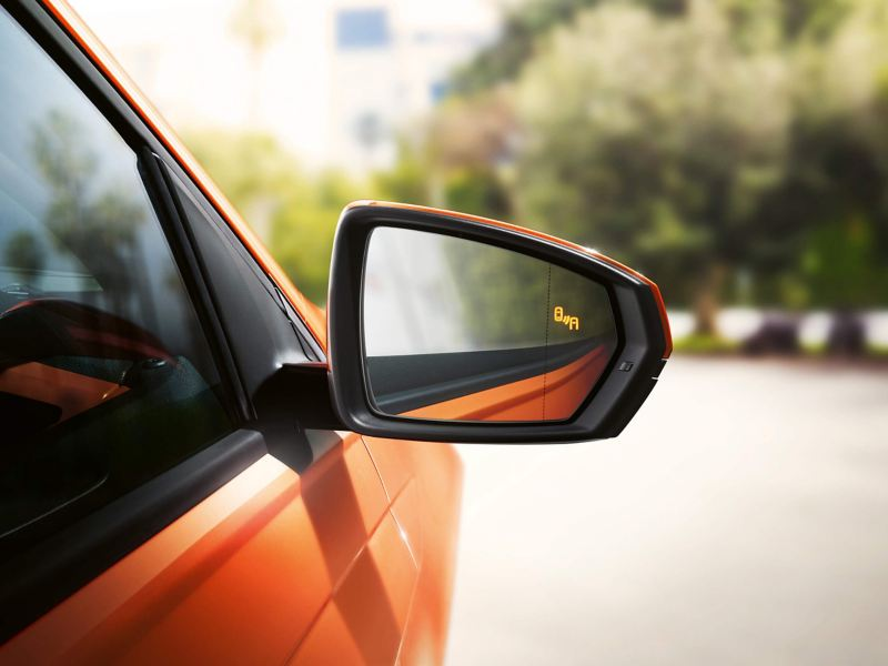 Polo's mirror with blind spot detection activated