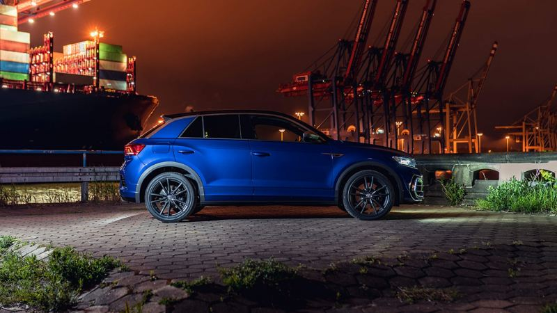 A blue Volkswagen T-Roc R from profile