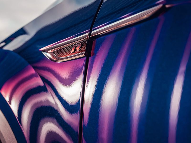 The R badge of a Volkswagen T-Roc R