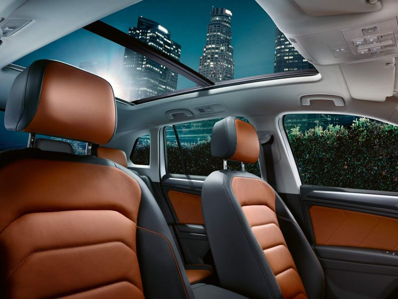 Panoramic sliding glass roof and interior of a Volkswagen Tiguan