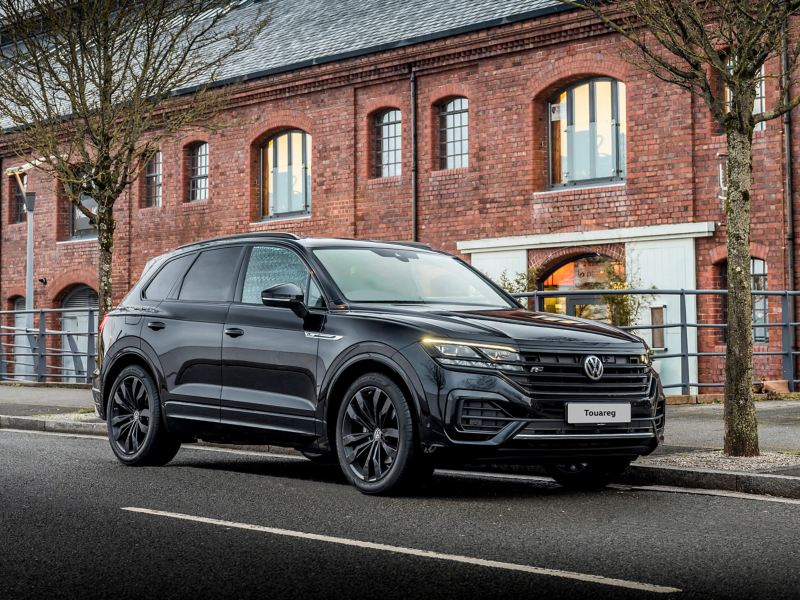 Touareg Black Edition parked in the street