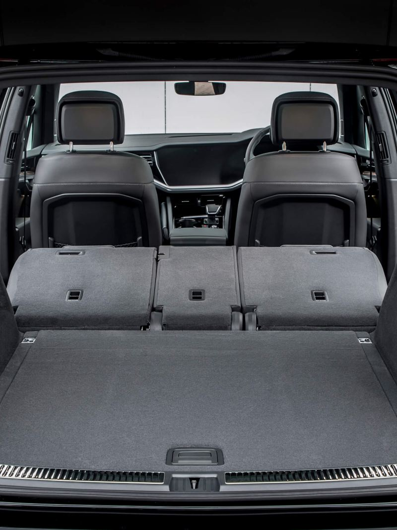 The interior of a Volkswagen Touareg.
