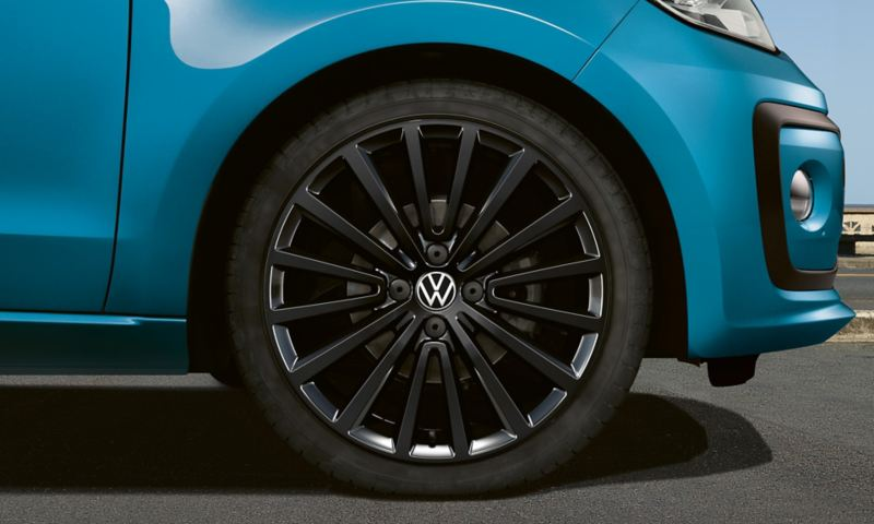 """polygon black"" alloy wheel"