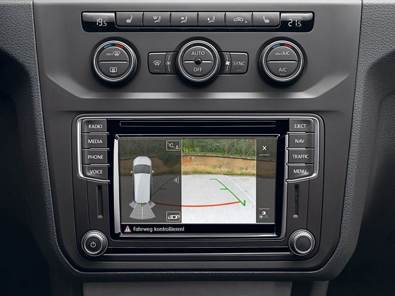 Rear View reversing camera on VW Caddy Life screen