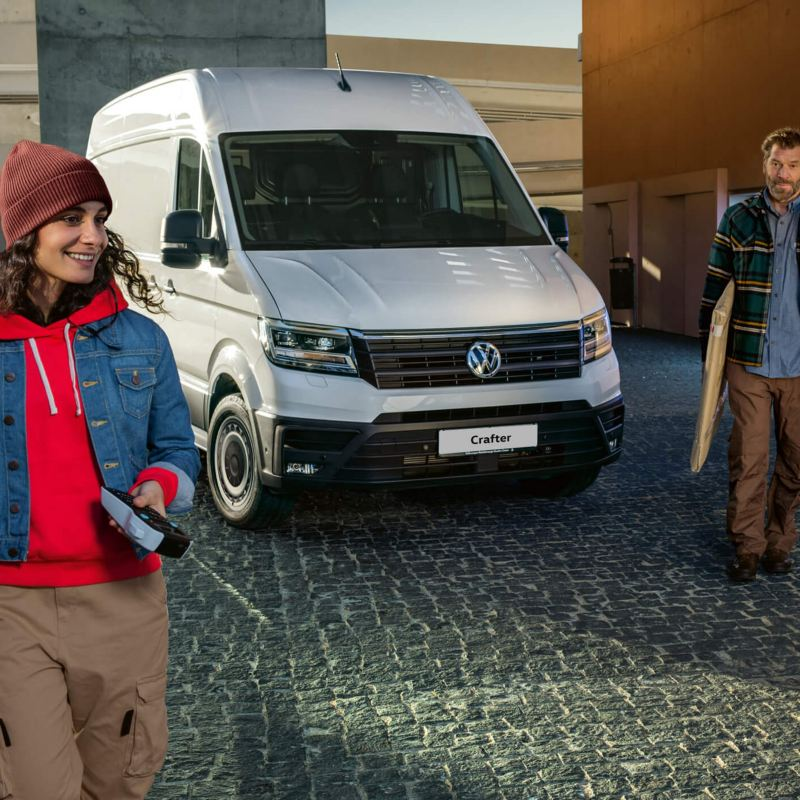 Volkswagen crafter with man and woman
