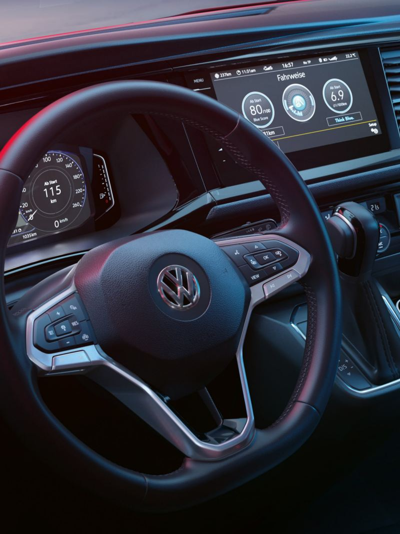 New Transporter 6.1 multi-function steering wheel and display screen