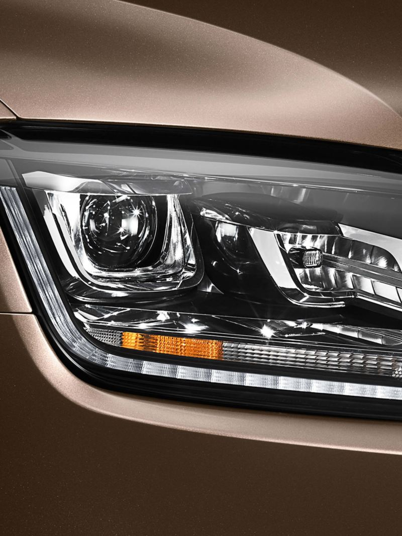 Amarok bi-exnon headlights