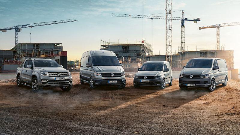 Gama modeli Volkswagen Samochody Dostawcze na placu budowy.