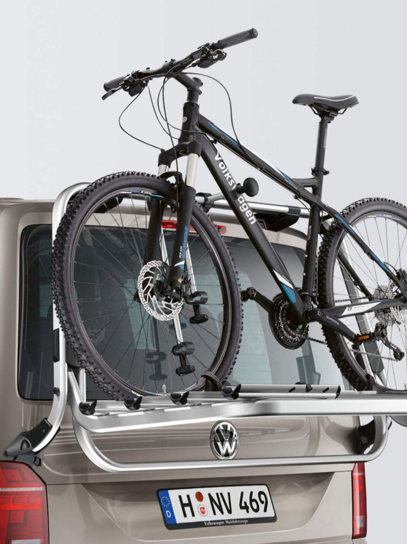 Tailgate bicycle holder