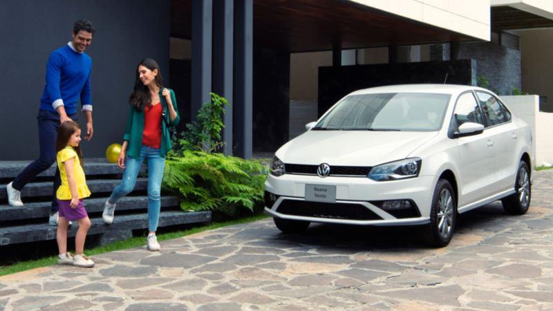 Conoce el precio de Vento 2020, sus características y versiones del auto familiar de Volkswagen.