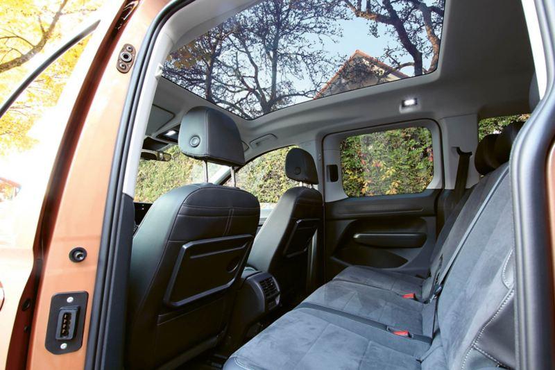 Baksätet i nya Caddy Maxi går att utöka från fem till sju sittplatser