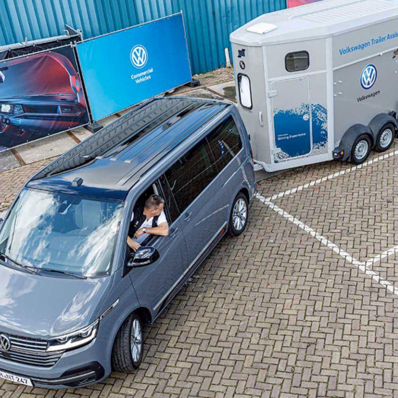 Nybiltester.no testar Trailer Assist på nya VW Transporter T6.1