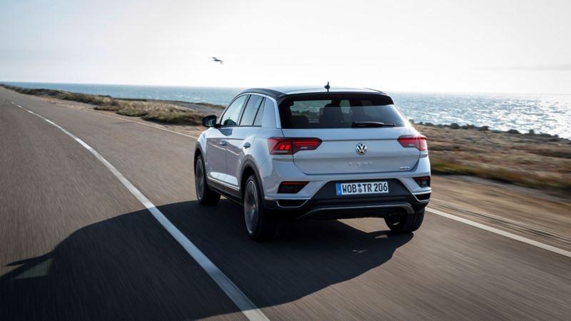 Volkswagen T-Roc bakfra i fart