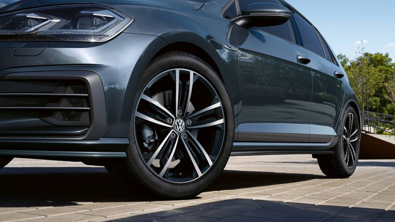 Close up of the Golf's wheels