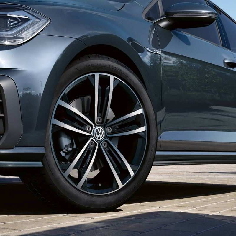 Close up of the Volkswagen Golf's wheels
