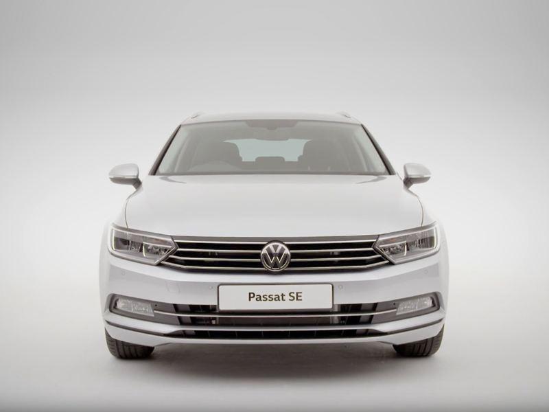 Front of the Volkswagen Passat SE