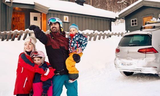 De e-Golf neemt Thomas en zijn gezin mee op elk buitenavontuur.