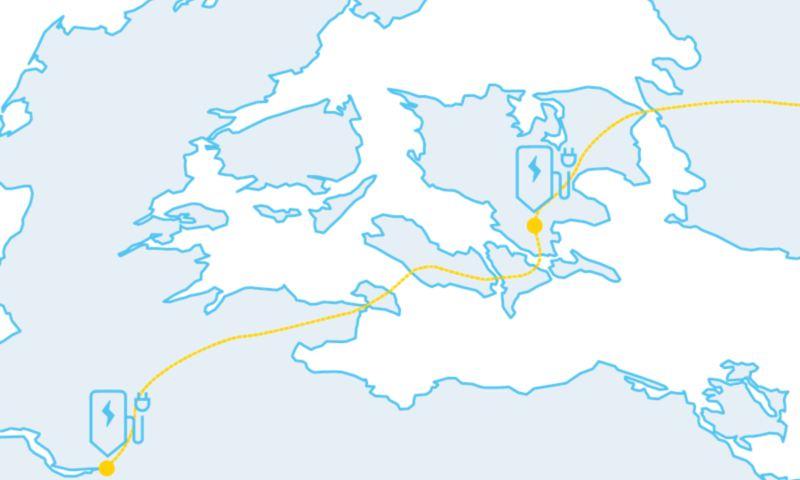 Carte routière indiquant un itinéraire long avec des stations de recharge en chemin