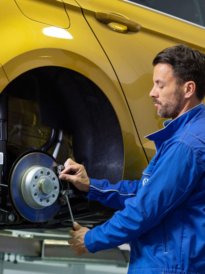 Genuine brake discs and pads