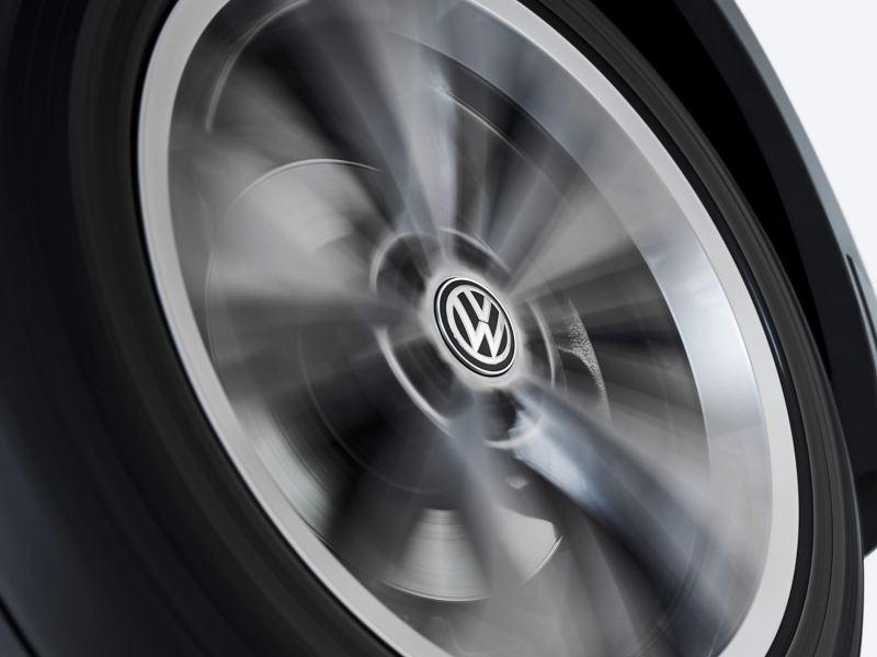 Volkswagen wheel with dynamic hub caps