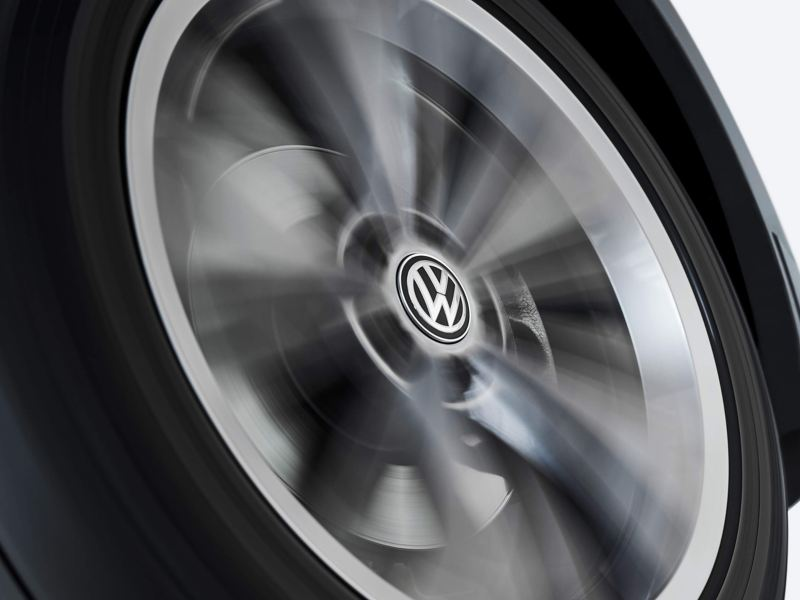 Volkswagen wheel with dynamic hub caps