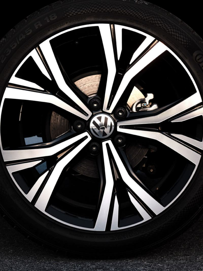 The Highline wheels on the 2020 Volkswagen Passat