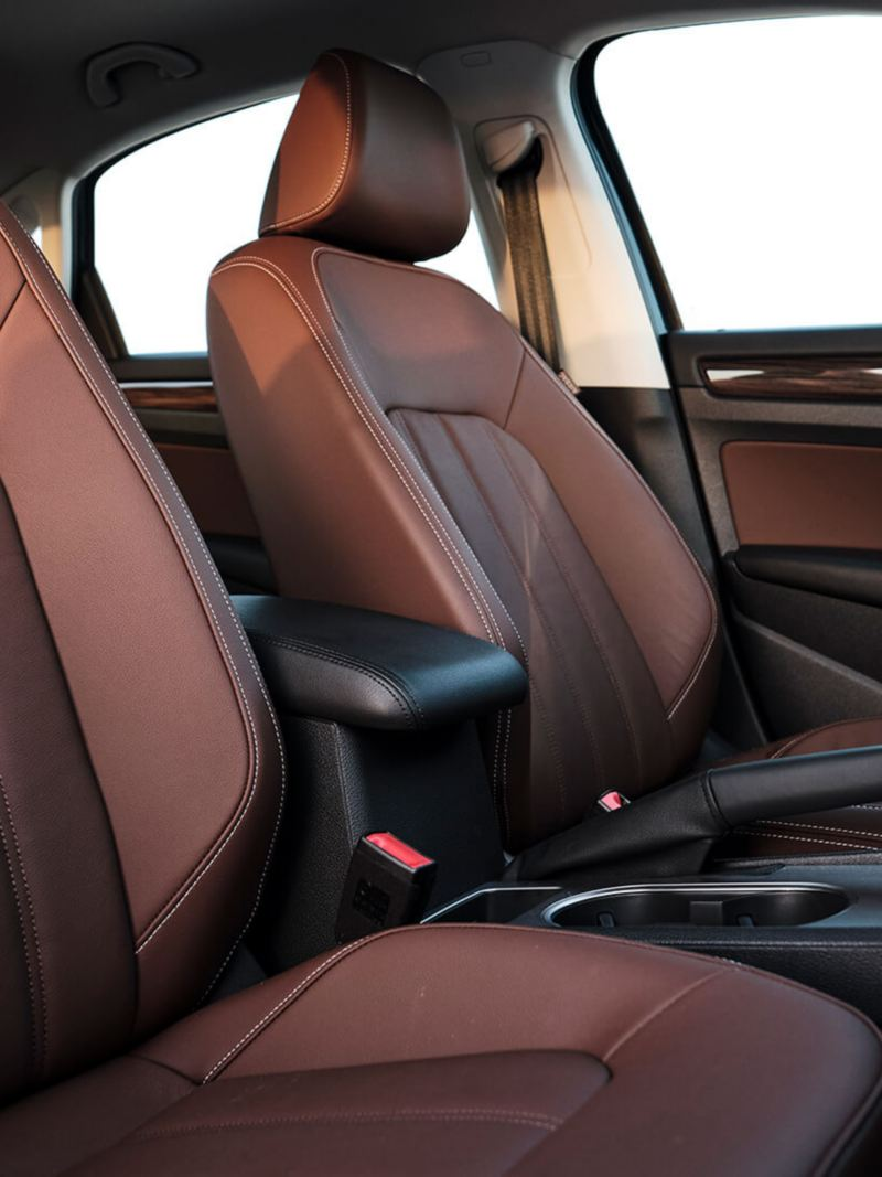 Volkswagen Passat 2020 interior with brown leather seats