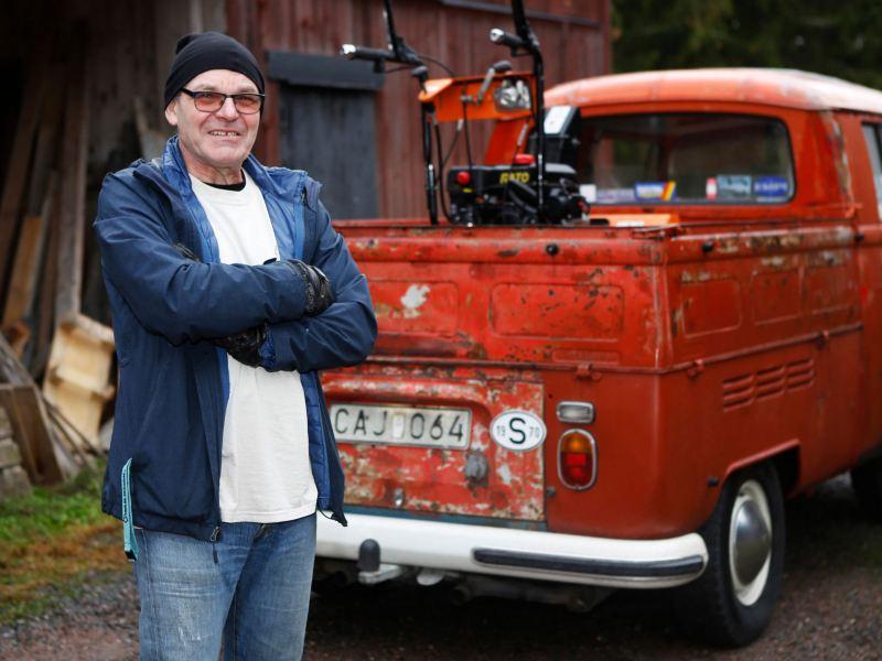 Peter Reichler med sin VW Transporter Dubbelhytt från 1970.