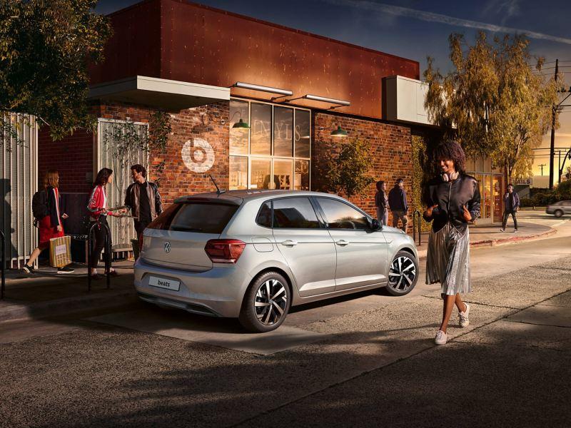 beats silver Volkswagen