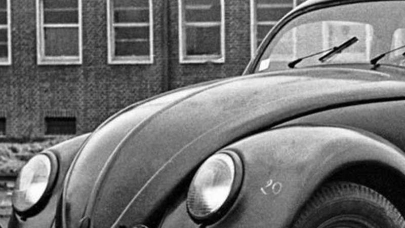 Vocho, el primer automóvil de Volkswagen creado en los años 50
