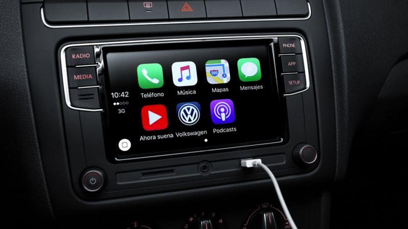 Pantalla de radio con Volkswagen App-Connect en Polo, el auto compacto con mejor conectividad