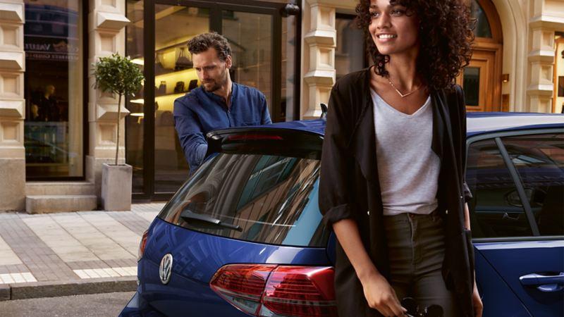 Beneficios de Respaldo VW - Dueña de auto con cobertura en asistencia