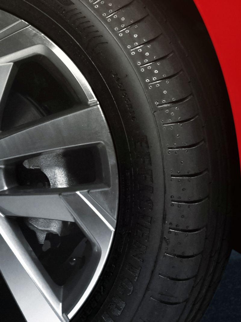 """Rines de aluminio de 16"""" de Nuevo Virtus Volkswagen"""