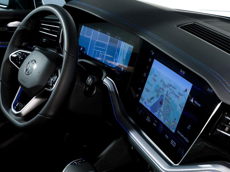 VW Touareg R, Innovision Cockpit