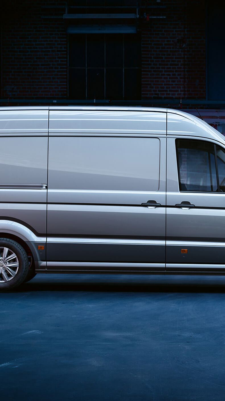 Crafter Panel Van Side-on