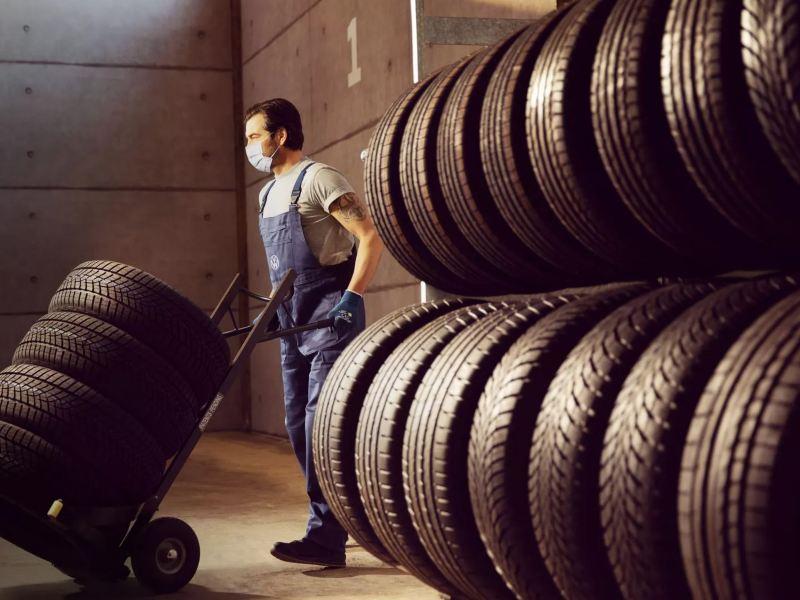 Conoce los servicios de mantenimiento para tu van, camionetas u otro vehículo comercial de Volkswagen