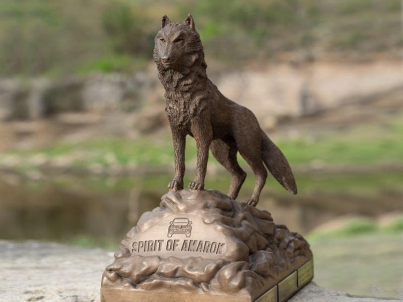 Spirit of Amarok vandringspris är utformad som en varg. Amarok betyder varg.