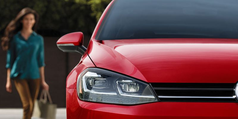 Red Golf SportWagen seen from the front