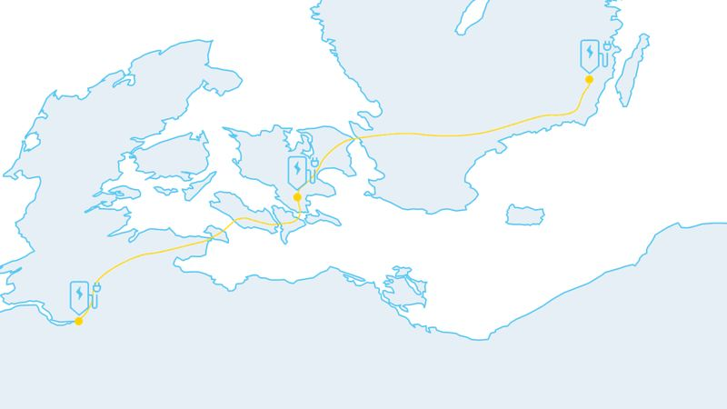 Carte montrant un long itinéraire avec des bornes de recharge le long du trajet