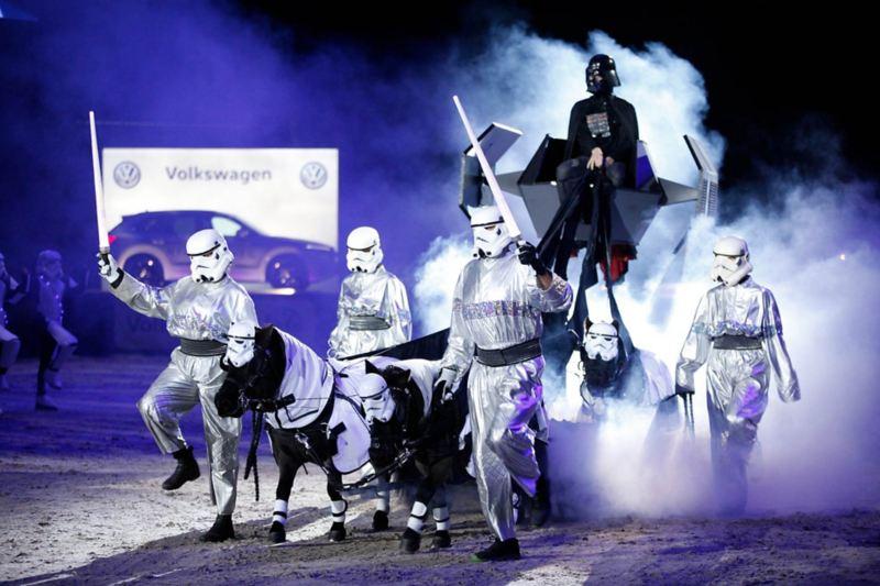 """UPPSKATTAT SHOWNUMMER med Star Wars-tema kallat """"Horse Wars"""""""