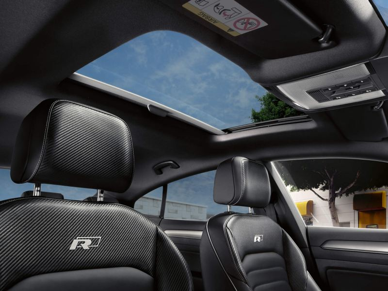 The panoramic sunroof of the Volkswagen Arteon, view from the interior.