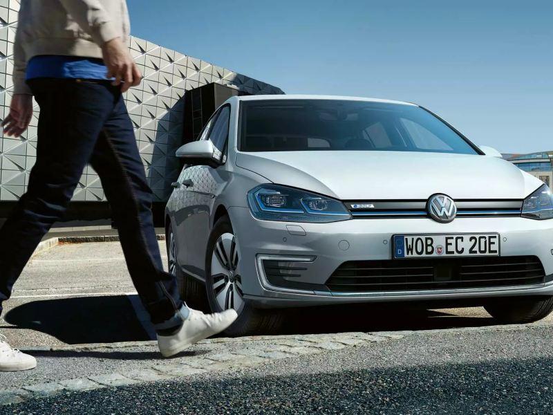 e-Golf dotée de 16 technologies d'assistance en stationnement