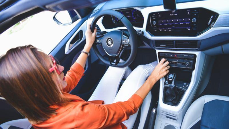 T-Cross, el SUV con tecnología de sistema de navegación, digital cockpit, keyless access, asistente de aparcamiento