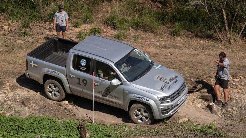 Tekniska delen av rallytävlingen Spirit of Amarok. Att köra på pinnarna ger tidstillägg.