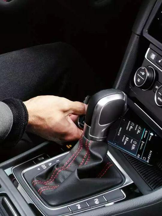Interface téléphone mobile Golf GTI